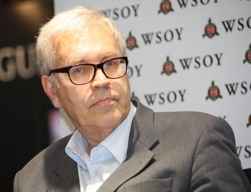 Peter von Bagh Helsingin kirjamessuilla 2011